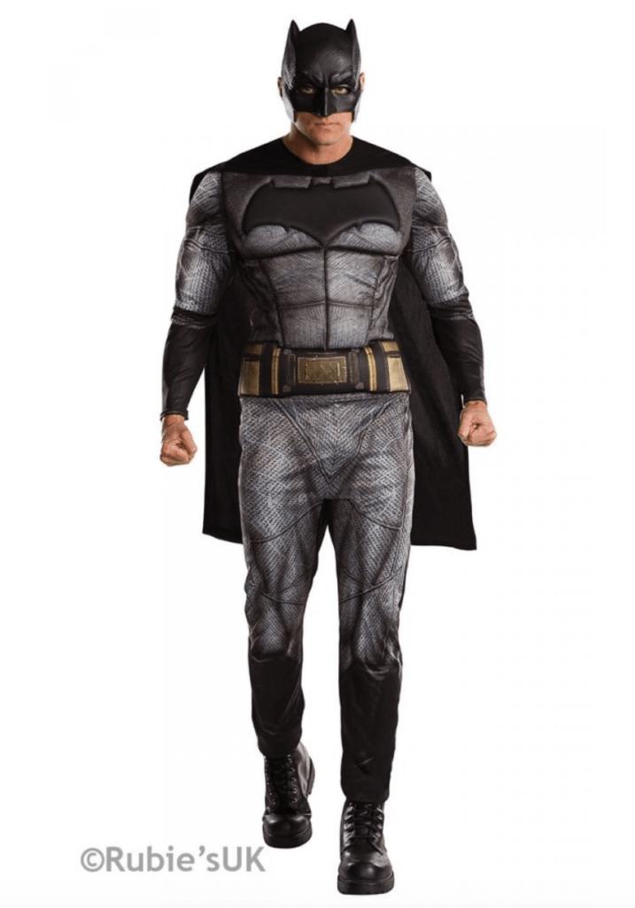 Skærmbillede 2018 01 18 kl. 00.05.18 717x1024 - Batman kostume til voksne