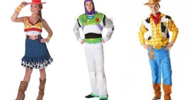 toy story kostume til voksne, toy story udklædning til voksne, toy story voksenkostumer, toy story kostumer til mænd, toy story kostumer til kvinder, disney kostumer til voksne, disney voksenkostumer, cowboy kostume til voksne